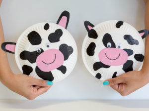 This month weu0027re keeping in theme with 2017u0027s National Simultaneous Storytime book The Cow Tripped over the Moon. Hereu0027s an easy fun and engaging ... & Paper Plate Cow Art - Bambinos Childcare